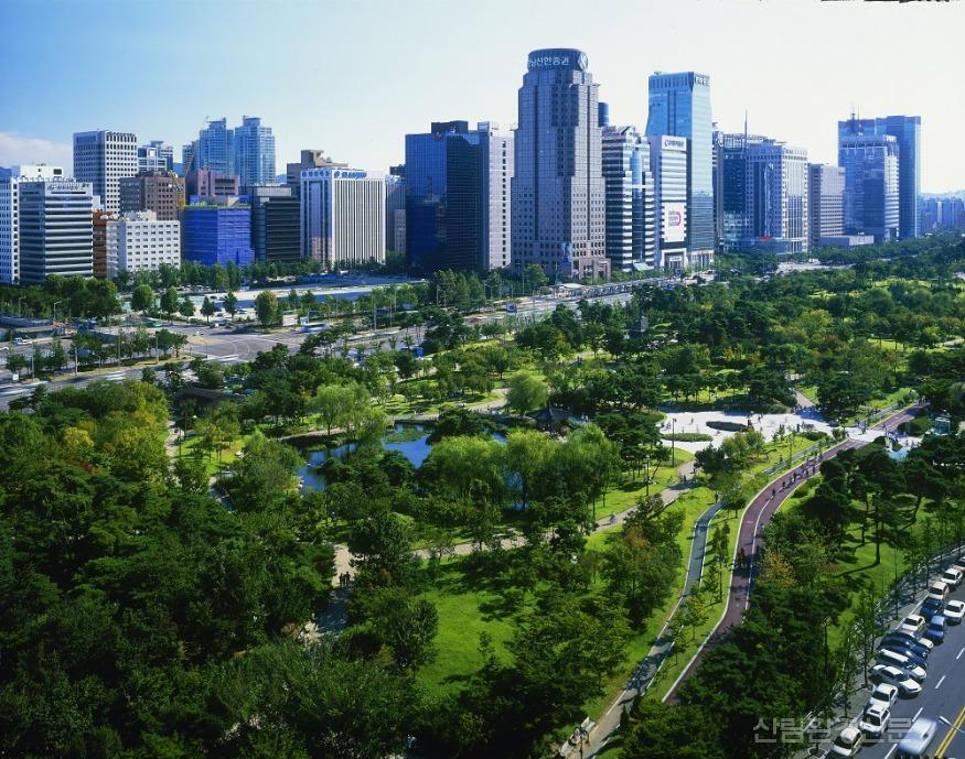 사진3_아름다운 도시의 숲-여의도공원.jpg