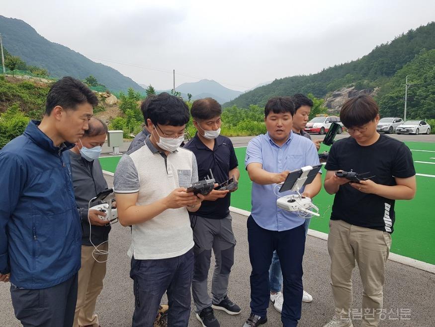 사진2_선도 산림경영단지 드론활용 교육.jpg