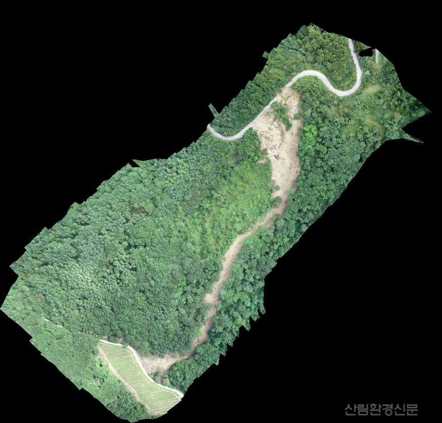 사진4_산림무인기(드론)으로 찍은 산사태 피해지 정사영상 자료(무주).jpg